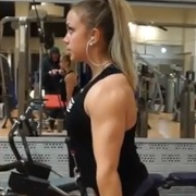 19 years old Fitness girl Elvira Triceps workout
