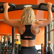 18 years old Fitness girl Shana Pull ups
